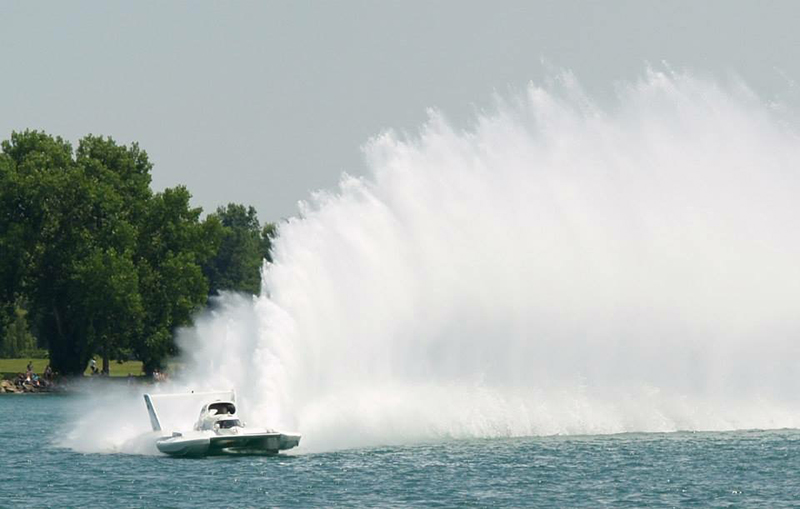 Hydrofest Brings Boat Racing Thunder Back to Detroit River