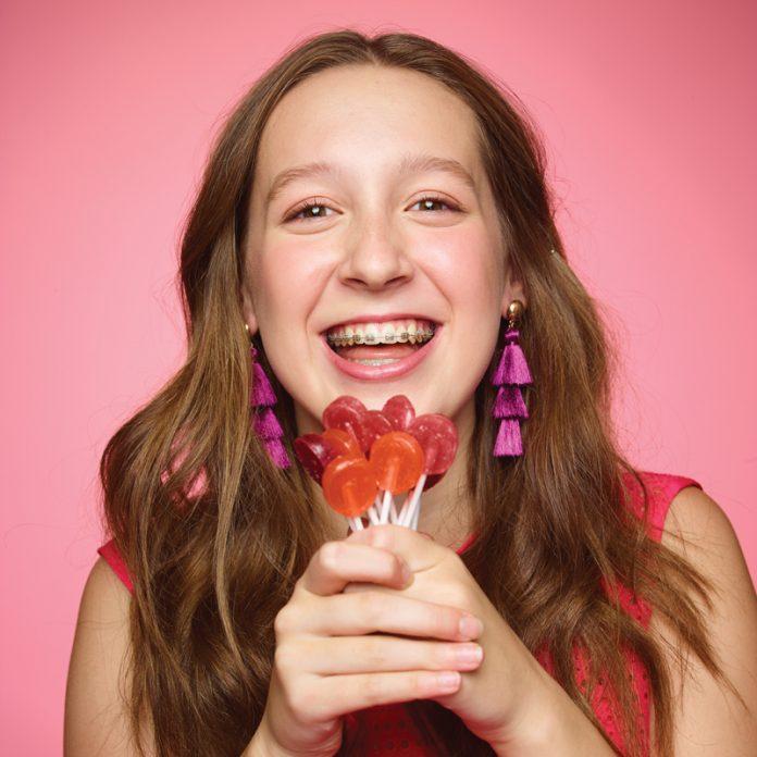 Alina Morse holding Zollipops